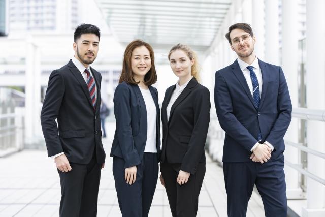 外国人留学生を社員として雇う